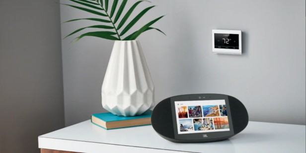 new face of Google Smart Display, JBL Link View